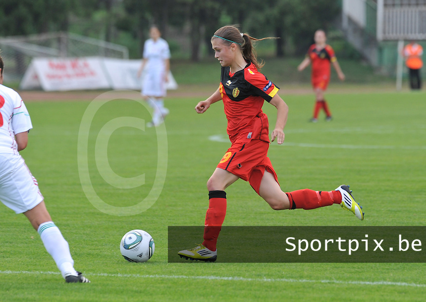 Hungary - Hongarije : UEFA Women's Euro Qualifying group stage (Group 3) - 20/06/2012 - 17:00 - szombathely  - : Hungary ( Hongarije ) - BELGIUM ( Belgie) : Anaelle Wiard  foto DAVID CATRY / JOKE VUYLSTEKE / Vrouwenteam.be