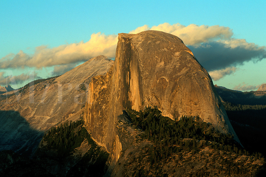 Sunset light on Half Dome from Glacier Point, Yosemite National Park, California.