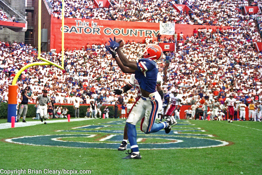Jack Jackson (1), University of Florida Gators defeat the University of South Carolina Gamecocks 48-17 at Ben Hill Griffin Stadium, Florida Field, Gainseville, Florida, November 12, 1994 . (Photo by Brian Cleary/www.bcpix.com)