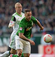 FUSSBALL   1. BUNDESLIGA   SAISON 2012/2013    30. SPIELTAG SV Werder Bremen - VfL Wolfsburg                          20.04.2013 Simon Kjaer (li, VfL Wolfsburg) gegen Marko Arnautovic (re, SV Werder Bremen)