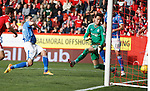 Aberdeen v St Johnstone...03.10.15   SPFL   Pittodrie, Aberdeen<br /> Joe Shaughnessy scores saints second goal<br /> Picture by Graeme Hart.<br /> Copyright Perthshire Picture Agency<br /> Tel: 01738 623350  Mobile: 07990 594431