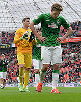 FUSSBALL   1. BUNDESLIGA   SAISON 2012/2013    31. SPIELTAG Bayer 04 Leverkusen - SV Werder Bremen                  27.04.2013 Sebastian Mielitz, Sebastian Proedl und Clemens Fritz (v.l., alle SV Werder Bremen) sind nach dem Abpfiff enttaeuscht