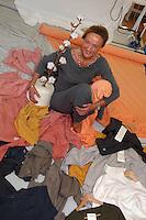 Produzione tessile di abiti realizzata con materiali provenienti da coltura biologica, cotone biologico..Production of clothes made with materials from organic farming, organic cotton.La titolare Alessandra Cavicchioli. The holder Alessandra Cavicchioli. ...