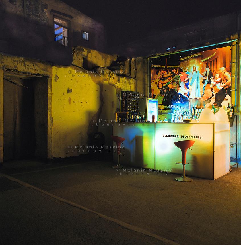 Pub in the historic city center in Palermo.<br /> Pub nel centro storico di Palermo.