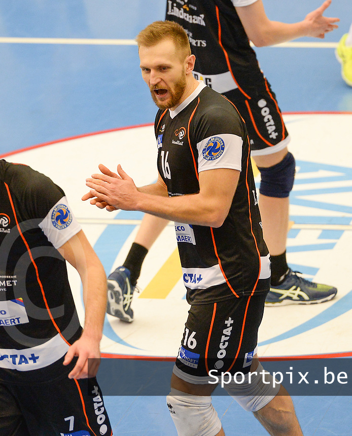 20161228 - ROESELARE ,  BELGIUM : Aalst's Adrian Staszewski pictured during the second semi final in the Belgian Volley Cup between Knack Volley Roeselare and Lindemans Aalst in Roeselare , Belgium , Wednesday 28 th December 2016 . PHOTO SPORTPIX.BE | DAVID CATRY