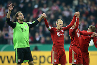 FUSSBALL  DFB POKAL       SAISON 2012/2013 FC Bayern Muenchen - 1 FC Kaiserslautern  31.10.2012 JUBEL nach dem Sieg, Torwart Tom Starke, Arjen Robben, Emre Can (v. li., FC Bayern Muenchen)