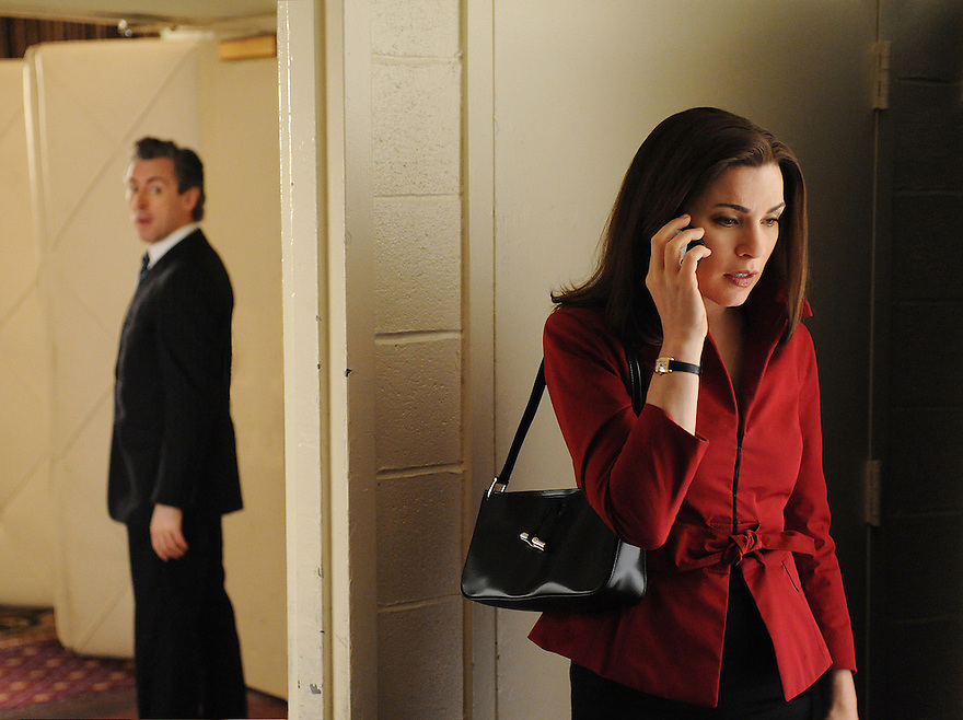 """Running""--At Eli Gold's (Alan Cumming) urging, Alicia (Julianna Margulies) must decide if she'll stand by her man during Peter's new political campaign, or if she'll pursue a relationship with Will instead, on the first season finale of THE GOOD WIFE, Tuesday, May 25 (10:00-11:00 PM, ET/PT) on the CBS Television Network. Photo: David M. Russell/CBS ©2010 CBS Broadcasting Inc. All Rights Reserved."