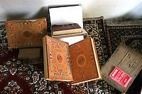 TURCHIA Kurdistan  Dogubayazit  Scuola coranica, libri di preghiere, Corano