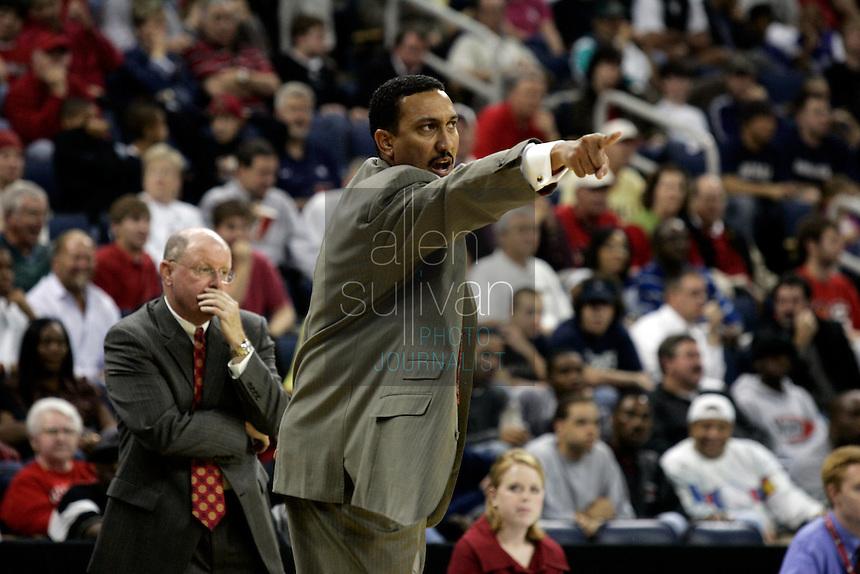 University of Georgia coach Dennis Felton in a basketball game against Gonzaga University at The Arena at Gwinnett Center in Duluth, Ga. on Saturday, Dec. 16, 2006. Georgia won 96-83.<br />