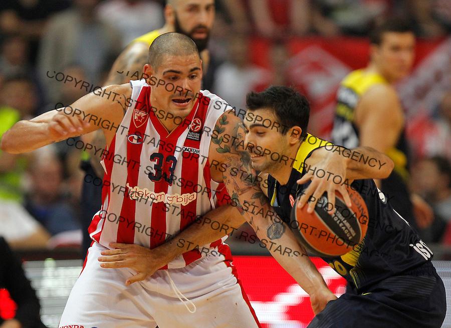 Kosarka Euroleague season 2015-2016<br /> Euroleague <br /> Crvena Zvezda v Fenebahce Istanbul<br /> Maik Zirbes and Kostas Sloukas (R)<br /> Beograd, 06.11.2015.<br /> foto: Srdjan Stevanovic/Starsportphoto &copy;