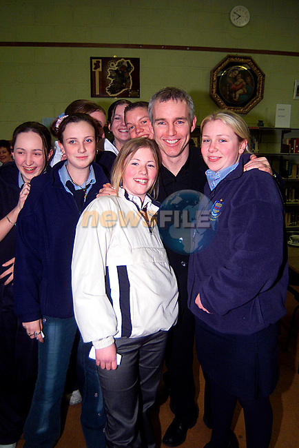 Today FM,s Ray Darcy with Students from all the Schools in Drogheda, at the Career and Subject Explorarion night in Greenhills College...Pic Tony Campbell/Newsfile