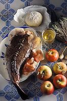 Gastronomie générale / Cuisine générale : Fricassée de lotte au  cidre, pommes roties au jambon. Ingrédients crus