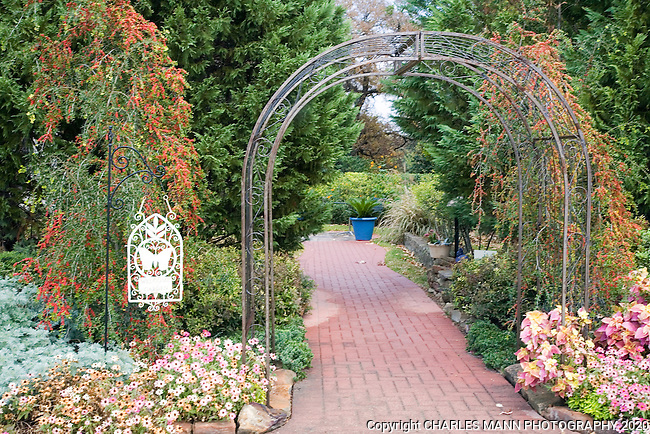 Douglas chandor garden entrance weatherford texas mann mg charles mann photography for Chandor gardens weatherford tx