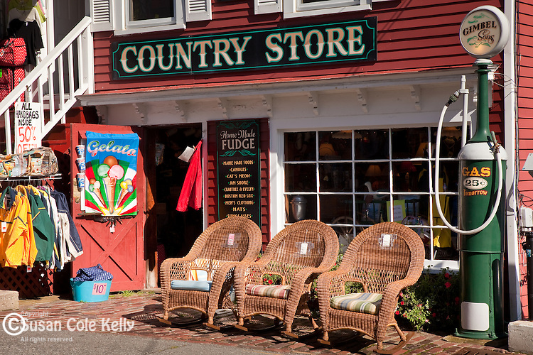 Shopping in Boothbay Harbor, ME