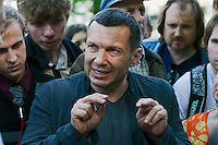 Moscow, Russia, 12/05/2012..Vladimir Solovyov, a Kremlin-allied journalist and television host, arguing with protesters in Chistiye Prudy, or Clean Ponds, a park in central Moscow were some 200 opposition activists have set up camp.
