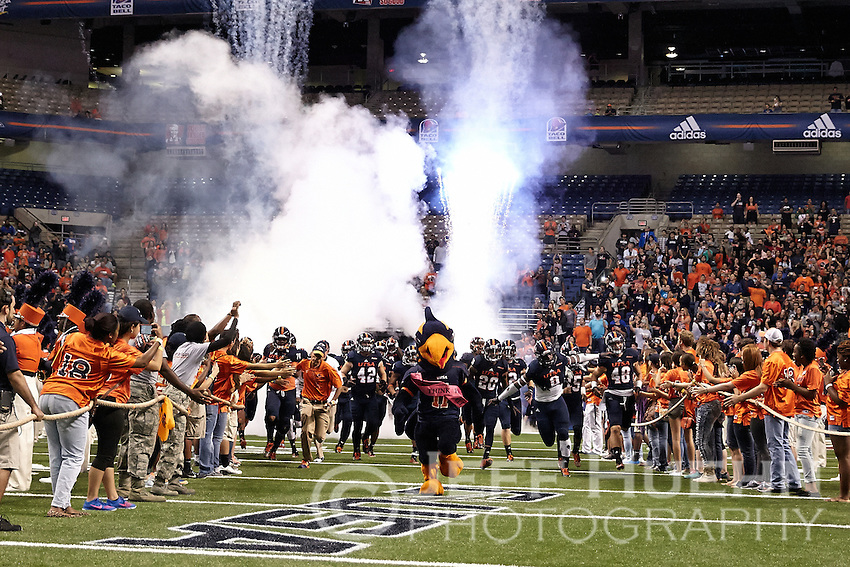 SAN ANTONIO, TX - OCTOBER 11, 2014: The University of Texas at San Antonio Roadrunners defeat the Florida International University Panthers 16-13 at the Alamodome. (Photo by Jeff Huehn)