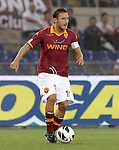 Calcio, Serie A: Roma vs Sampdoria. Roma, stadio Olimpico, 26 settembre 2012..AS Roma forward Francesco Totti in action during the Italian Serie A football match between AS Roma and Sampdoria at Rome's Olympic stadium, 26 September 2012..UPDATE IMAGES PRESS/Riccardo De Luca