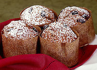 Gingerbread Muffins with Raisins wrapped in Gold Baking Paper Cup