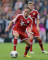 Fussball  1. Bundesliga  Saison 2013/2014   1. SPIELTAG FC Bayern Muenchen - Borussia Moenchengladbach       09.08.2013 Franck Ribery (FC Bayern Muenchen) Einzelaktion am Ball