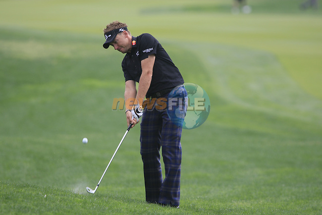 Ian Poulter plays his 3rd shot from the rough on the 8th hole during Day 2 Friday of the Abu Dhabi HSBC Golf Championship, 21st January 2011..(Picture Eoin Clarke/www.golffile.ie)
