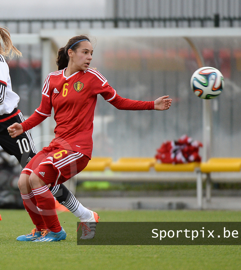 20151128 - Tubize , Belgium : Belgian Anais Bey Tem Samani pictured during the female soccer match between Women under 16 teams of  Belgium and Germany , in Tubize . Saturday 28th November 2015 . PHOTO DIRK VUYLSTEKE