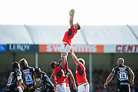 Jackson Wray of Saracens wins the ball at a lineout. Aviva Premiership match, between Exeter Chiefs and Saracens on September 11, 2016 at Sandy Park in Exeter, England. Photo by: Patrick Khachfe / JMP