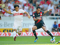 FUSSBALL   1. BUNDESLIGA  SAISON 2011/2012   3. Spieltag     20.08.2011 VfB Stuttgart - Bayer Leverkusen        Shinji Okazaki (VfB Stuttgart,li) gegen Renato Augusto (Bayer 04 Leverkusen,re)