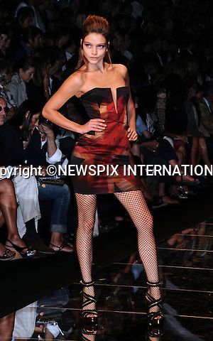 "JOHN RICHMOND.Milan Fashion Show, Milano_27/09/2009.Mandatory Credit Photo: ©NEWSPIX INTERNATIONAL..**ALL FEES PAYABLE TO: ""NEWSPIX INTERNATIONAL""**..IMMEDIATE CONFIRMATION OF USAGE REQUIRED:.Newspix International, 31 Chinnery Hill, Bishop's Stortford, ENGLAND CM23 3PS.Tel:+441279 324672  ; Fax: +441279656877.Mobile:  07775681153.e-mail: info@newspixinternational.co.uk"