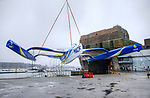 French sailor François Gabart and his 100ft trimaran MACIF designed by the VPLP design team, this 30-metre wide, 21 metre wide boat has been designed for solo sailing. A light boat (14.5 tonnes) with very fine hulls.