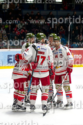 28.12.2015, Ice Rink, Znojmo, CZE, EBEL, HC Orli Znojmo vs HCB Suedtirol, 36. Runde, im Bild v.l. Stephen Saviano (HCB Sudtirol) Alexander Egger (HCB Sudtirol) Hannes Oberdorfer (HCB Sudtirol) // during the Erste Bank Icehockey League 36nd round match between HC Orli Znojmo and HCB Suedtirol at the Ice Rink in Znojmo, Czech Republic on 2015/12/28. EXPA Pictures © 2015, PhotoCredit: EXPA/ Rostislav Pfeffer
