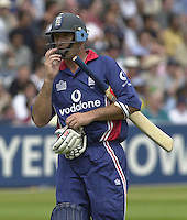 .29/06/2002.Sport - Cricket - .NatWest triangler Series England - Sri Lanka - India.England vs india 50 overs.  Lord's ground.England batting -  Nasser Hussian returns to the pavilion after being stumped Dravid bowled Yuvraj Singh.