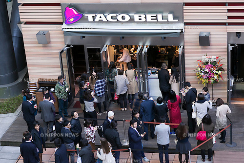 Customers line up outside the new Taco Bell branch at the Nippon Television Tower on December 4, 2015, Tokyo, Japan. The American Tex-Mex fast food restaurant opened its second store in Japan. The first opened in Shibuya on April 21st 2015. (Photo by Rodrigo Reyes Marin/AFLO)