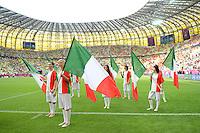FUSSBALL  EUROPAMEISTERSCHAFT 2012   VORRUNDE Spanien - Italien            10.06.2012 Choreographie auf dem Platz