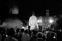 Roma 4 Giugno 1994.Processione per le vie di Roma con l'Immagine della Madonna del Divino Amore per il 50° anniversario della Liberazione di Roma dai nazifascisti..Rome, June 4, 1994  .Procession through the streets of Rome with the image of Madonna del Divino Amore  for the 50th anniversary of the liberation of Rome by the Nazi