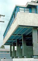 Rudolph Schindler: Lovell Beach House. Upper story.