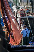 """France, Aquitaine, Pyrénées-Atlantiques, Pays Basque,   Saint-Jean-de-Luz : Au port de pêche le Thonier Canneur """"Aïrosa"""" débarque  ses filets  pour la pêche à la sardine ou au chinchard  qui va servir d'appat  vivant (peïta) pour la pêche au thon à la canne - En fond la maison de l'Infante//  France, Pyrenees Atlantiques, Basque Country,  Saint Jean de Luz : Fishing port,  Line tuna vessel """"Airosa"""" landed his nets for fishing sardines or mackerel will use as live bait (Peita) for tuna fishing cane - In the background the house of the Infanta  Auto N°:2014-149, Auto N°:2014-150, Auto N°:2014-151, Auto N°:2014-152, Auto N°:2014-153, Auto N°:2014-154, Auto N°:2014-155"""