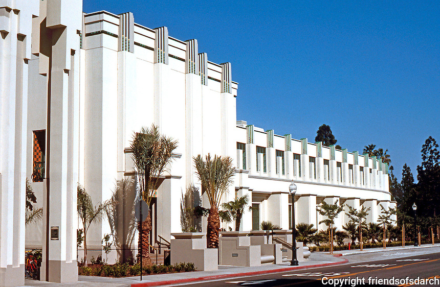 Makcenter as well 189498 besides Otter Beach Pick Miami Beach In Miamis South Beach Neighborhood as well  also Karlovy 20Vary 203. on art deco architecture