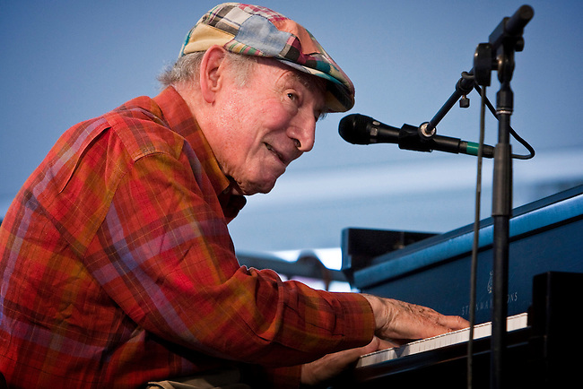 Jazz promoter and producer George Wein performing on the WWOZ Jazz Tent stage at the New Orleans Jazz and Heritage Festival at the New Orleans Fair Grounds Race Course in New Orleans, Louisiana, USA, 30 April 2009.