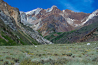 742900660 magnificent mountain formations in the eastern sierras from mcgee canyon in mono county california