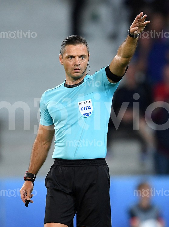 FUSSBALL EURO 2016 GRUPPE B IN LILLE Russland - Slowakei     15.06.2016 Schiedsrichter Damir Skomina