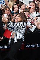 TAL rencontre ses fans après son concert à Bruxelles - Exclusif - Belgique