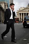 Ross Gray. pracownik londynskiej gieldy...Zdjecia pracownikow londynskiego City, dzielnicy biur, central bankow, kancelarii prawnych, firm doradczych i ubezpieczeniowych...Londyn, Wielka Brytania, Marzec 2009..Piotr Malecki/Napo Images....Ross Gray from London Stock Exchange...Images of people at the City of London, employees of banks, insurance, consulting and law firms...City of London, Great Britain, March 2009..(Photo by Piotr Malecki/Napo Images)