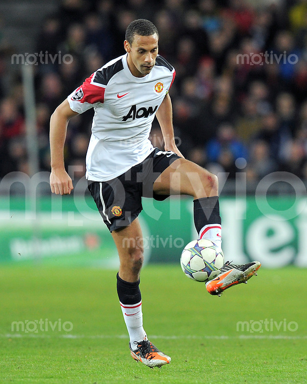 FUSSBALL   CHAMPIONS LEAGUE   SAISON 2011/2012     07.12.2011 FC Basel - Manchester United Rio Ferdinand (Manchester United FC)