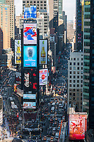 Crowds of people in Times Square on Sunday, December 30, 2012 getting ready for New Year's Eve.  (© Richard B. Levine)