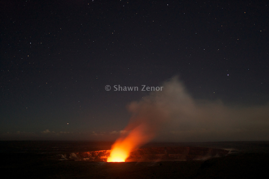 Kilauea-Eruption-Night-Hawaii 16.jpg   Shawn Zenor ... Tom Cruise