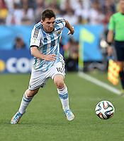FUSSBALL WM 2014                ACHTELFINALE Argentinien - Schweiz                  01.07.2014 Lionel Messi (Argentinien) am Ball