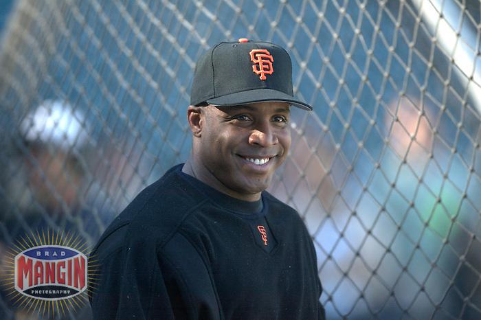 Barry Bonds smiles. Atlanta Braves vs San Francisco Giants. San Francisco, CA 8/20/2003 MANDATORY CREDIT: Brad Mangin