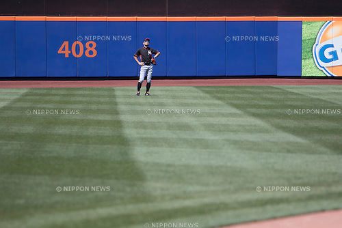 Ichiro Suzuki (Marlins),<br /> MAY 30, 2015 - MLB :<br /> Ichiro Suzuki of the Miami Marlins during practice before the Major League Baseball game against the New York Mets at Citi Field in Flushing, New York, United States. (Photo by Thomas Anderson/AFLO) (JAPANESE NEWSPAPER OUT)