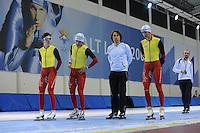 SCHAATSEN: SALT LAKE CITY: Utah Olympic Oval, 12-11-2013, Essent ISU World Cup, training, Maarten Swings (BEL), Wannes van Praet (BEL), Bart Veldkamp (trainer/coach Team Stressless), Bart Swings (BEL), Jelle Spruyt (trainer/coach Team Stressless), ©foto Martin de Jong