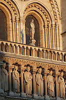 The Kings? Gallery, row of 28 statues representing 28 generations of kings of Judah, restored by Viollet-le-Duc with the help of Geoffroi-Dechaume?s workshop in the 19th century, statue of Eve, West façade, Notre Dame de Paris, 1163 ? 1345, initiated by the bishop Maurice de Sully, Ile de la Cité, Paris, France. Picture by Manuel Cohen